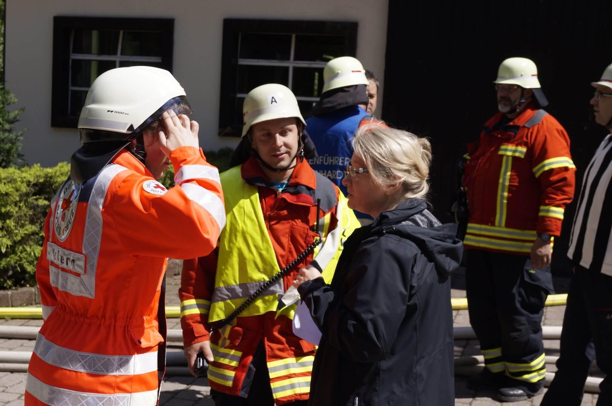 An der Übung waren außer der Freiwilligen Feuerwehr Straubenhardt auch das DRK beteiligt.