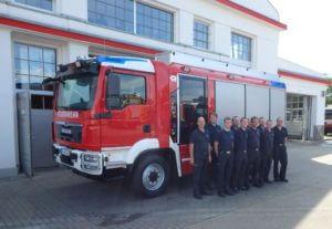 Delegation der Feuerwehr Straubenhardt bei der Fahrzeugabnahme und Schulung beim Hersteller.