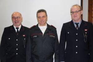 Zusammen 120 Jahre Einsatz im Dienst für den Nächsten: Bernd Conzelmann, Martin Röck und Thomas Kallwelis, von links, bringen es auf jeweils 40 Jahre Feuerwehrtätigkeit.